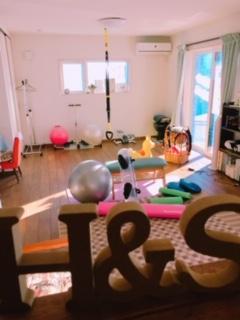 川口市 埼玉県 加圧トレーニング パーソナルトレーニング ダイエット 健康 痩身 二の腕 太もも 背中 胸 バストアップ お腹 ウエスト お尻 美容 美肌 アンチエイジング 若返り 成長ホルモン 筋力アップ 加圧ビューティー フェイシャル