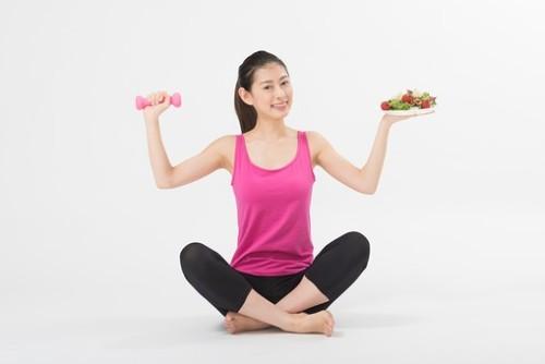 自宅トレーニング 宅トレ 家トレ 自宅トレ ダイエット 運動  パーソナルトレーニング ジム 加圧トレーニング 子ども おうち時間 充実 過ごし方 アフターコロナ 対策 運動不足 解消 テレワーク コロナ太り 美容 美肌 肩こり 血行 肥満 太った 体重